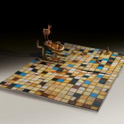 Silvano Tessarollo, 2007, Interno/3, scultura cm 175x235x81h, tecnica: cartone, resina, cera, colori industriali e stoffa